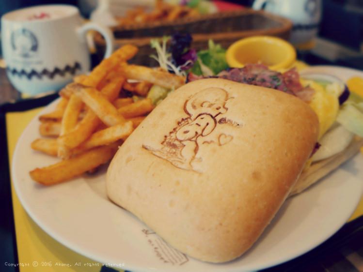 【小倩專欄】 台中西屯。查理布朗咖啡Charlie Brown Café 史努比主題餐廳
