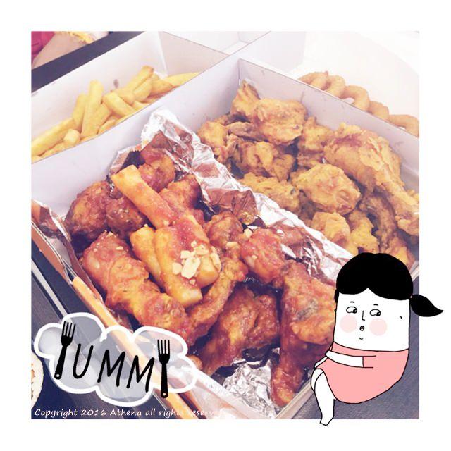 台北 ▌士林 石牌站 : 韓國人經營的韓式炸雞店 MOM's Chicken & Kimbop