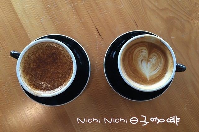 台北 ▌中山站。Nichi Nichi日子咖啡二店 可以坐很久/Wifi/插頭/不限時【Iphone食記】