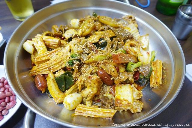 韓國 ▌首爾食記 : 建大站(212) 許家 正宗重慶 麻辣香鍋 마라쌍궈 辣又好吃