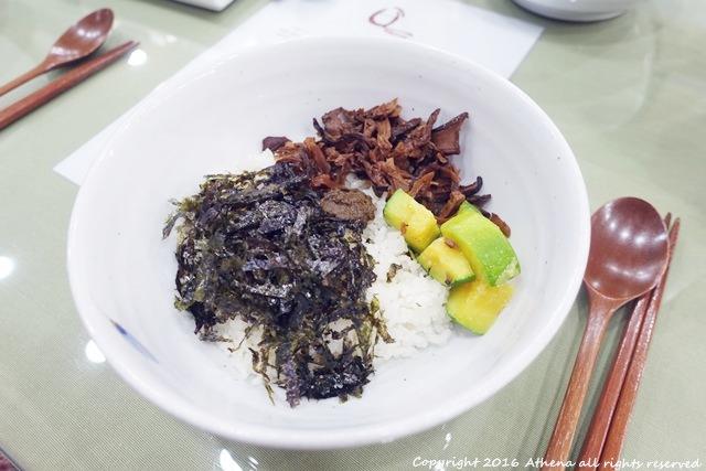 韓國首爾 ▌安國站 (328) 三清洞的特色餐廳마나님레시피 방실비빔밥 野菜伴飯