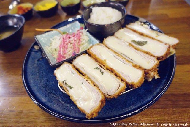 韓國首爾 ▌弘大站(K314) HONKAZ 혼가츠 起司豬排 Twice推薦 一個人可吃 // 白鍾元老師的三大天王 推薦♥