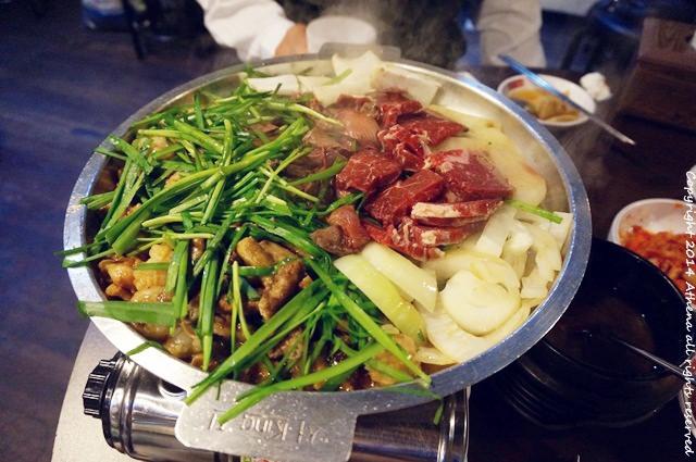 韓國首爾 ▌東大門/東大門歷史文化公園站 : 東大門韭菜牛小腸 韭菜讓你無限續!