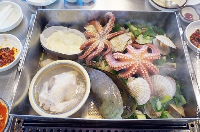 韓國食記 ▌一山站(K326) 擁抱海鮮的雞해물품은닭 有大章魚和貝殼的蒸海鮮