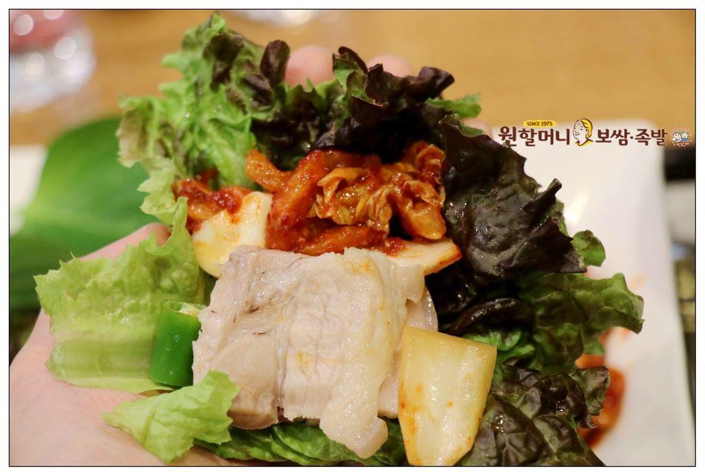 韓國首爾 ▌蠶室站(216):元祖奶奶生菜包肉 원할머니 국수·보쌈 樂天世界店 有兒童餐《加小菲專欄》
