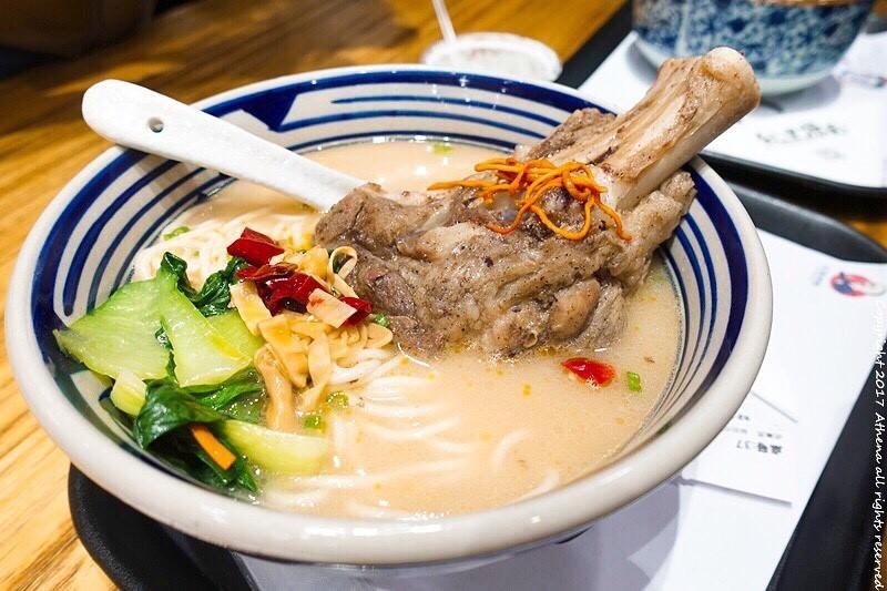 中國 ▌廈門美食 紀里撈麵 廈門最文義的麵館 在書房裡頭吃飯的新奇體驗 #青春一廈