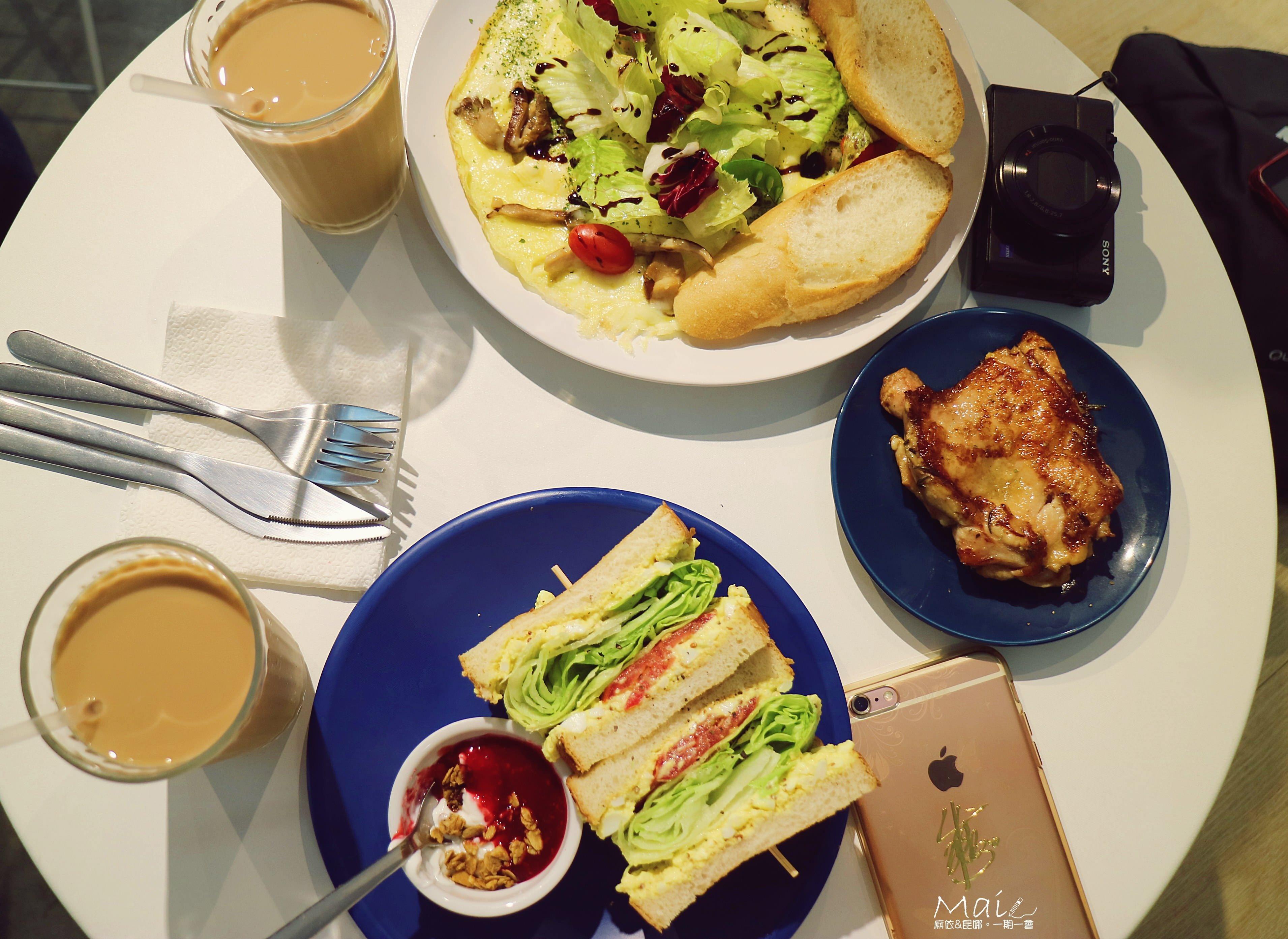 台北食記 ▌大安站:餵我早餐 美式早午餐/IG打卡拍照名店/藍白色調地中海風《麻依專欄》
