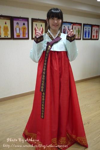 韓國 ▌釜山自由行 : 釜山博物館부산박물관 附設的文化體驗館 有免費的韓服試穿 另茶道體驗但需要先預約