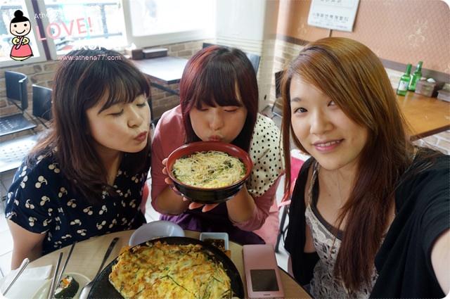 韓國 ▌首爾食記 : 合井站(238) 포차포차 飯捲煎餅都好吃♥24H 的包裝馬車